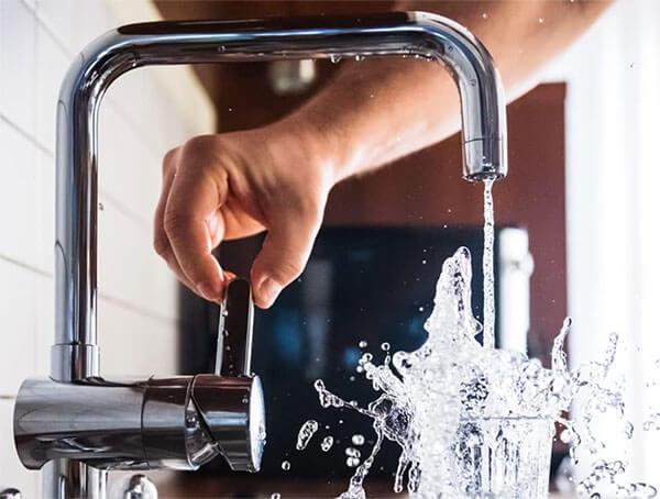 acqua-del-rubinetto